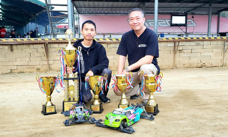 Main Photo: Yeung Family Sweeps the M.K. Power Off-Road Championship